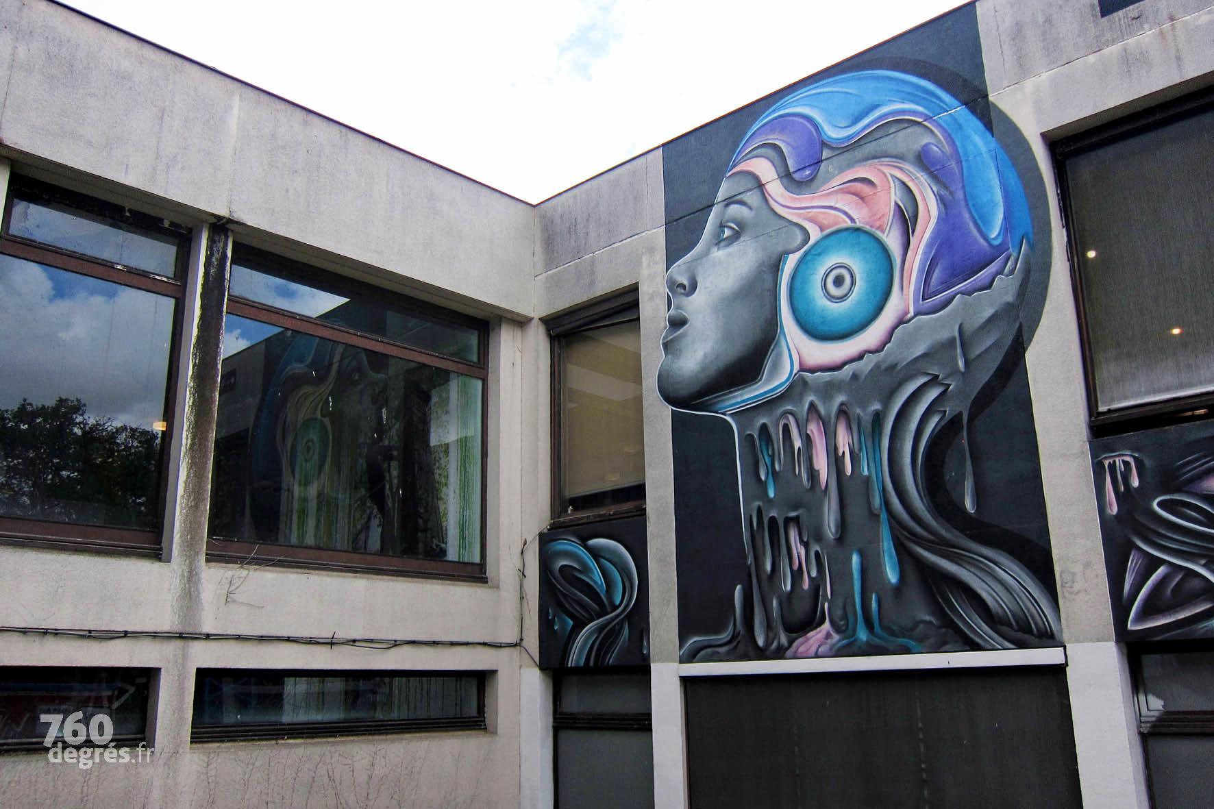 WESL (Espagne) - Hommage à la DJ ukrainienne Nastia, ce portrait a été remarqué parmi les 10 plus beaux murs au monde pour le mois de septembre 2016.