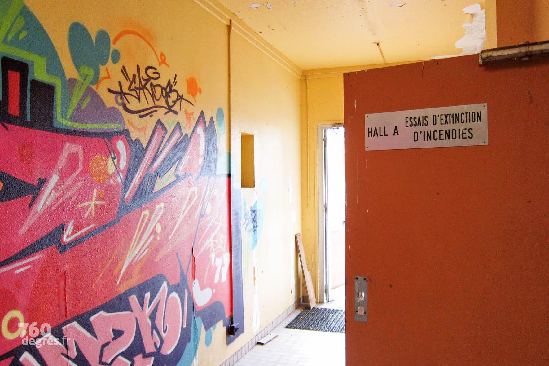 """À l'intérieur du """"bunker"""", ancien centre d'essais techniques."""