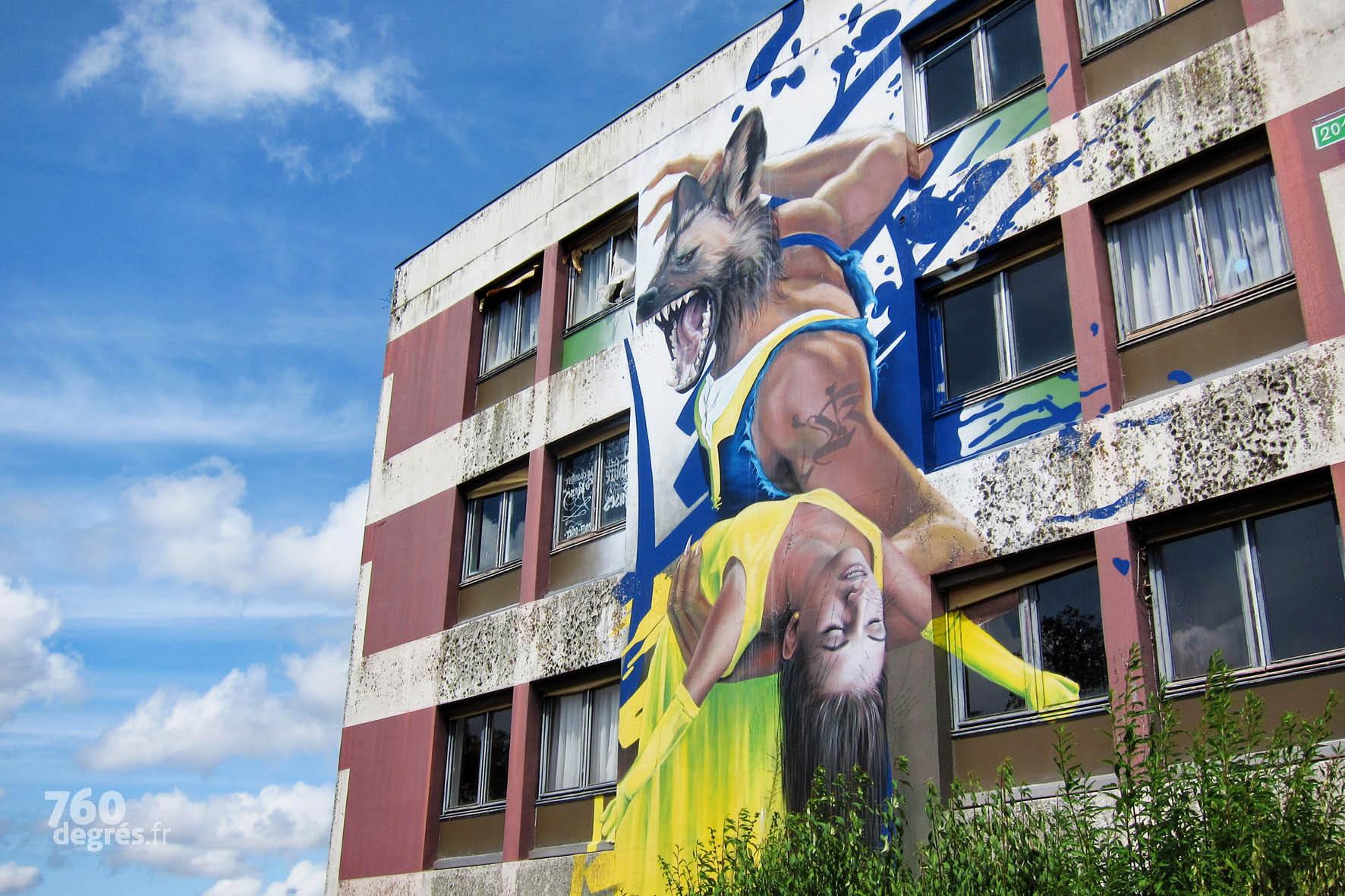 """COSTWO (Allemagne) """"La Belle et la Bête"""" - Star mondiale de l'art urbain, l'artiste excelle dans les réalisations 3D et la qualité des détails."""